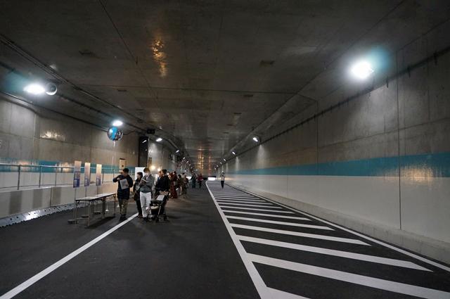 「環状第2号線(新橋・虎ノ門間)開通記念ウォーキングイベント」 トンネル内 2014.3.23