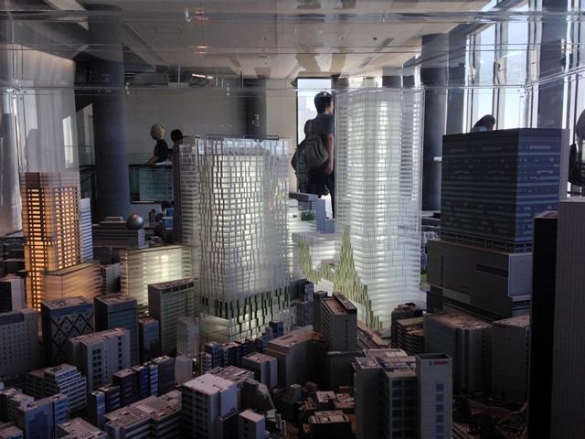 渋谷未来図 ヒカリエ11階にて