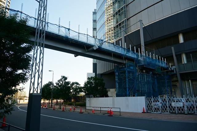 「SKYZ TOWER & GARDEN」 ペデストリアンデッキ 2014.12.22